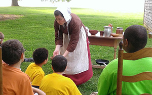Image: A lesson in hearth cooking at the John Dickinson Plantation
