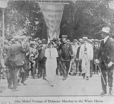 Newspaper photo of Mabel Vernon