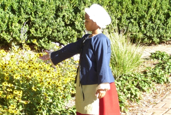 Photo of a volunteer interpreter at the John Dickinson Plantation