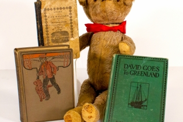 Teddy-and-Books
