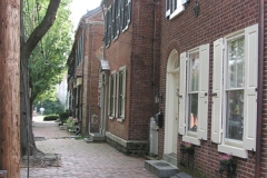 Image: Street scene within the New Castle Historic District.
